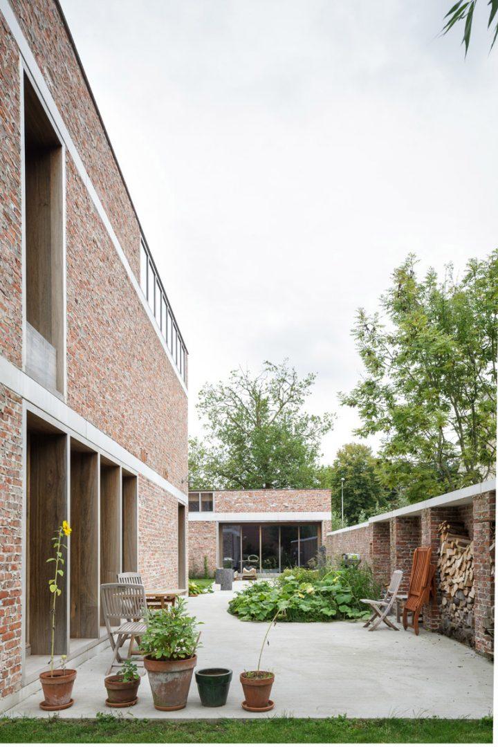 Atelierwoning by Raamwerk and Van Gelder Tilleman