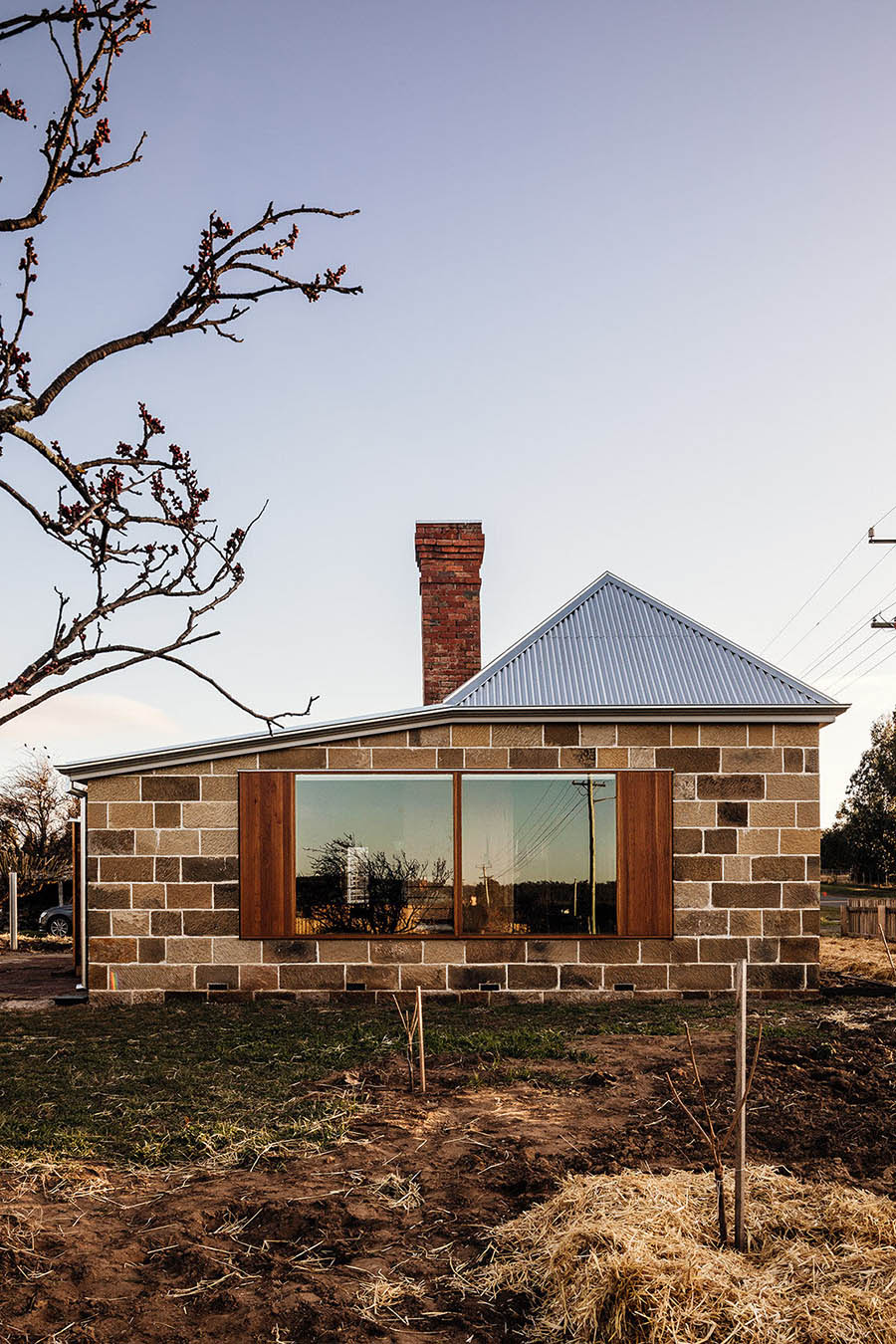 Bozen's Cottage by Taylor + Hinds Architects