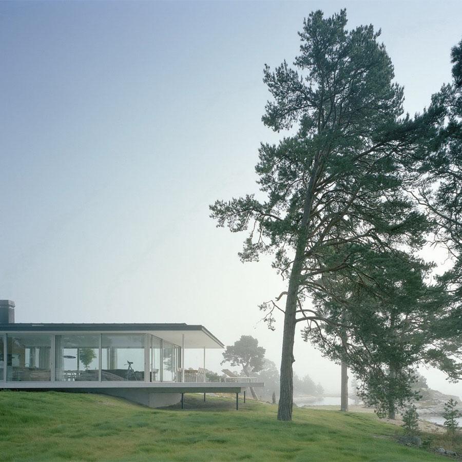 House in Kymmendö Island by Jordens Arkitekter