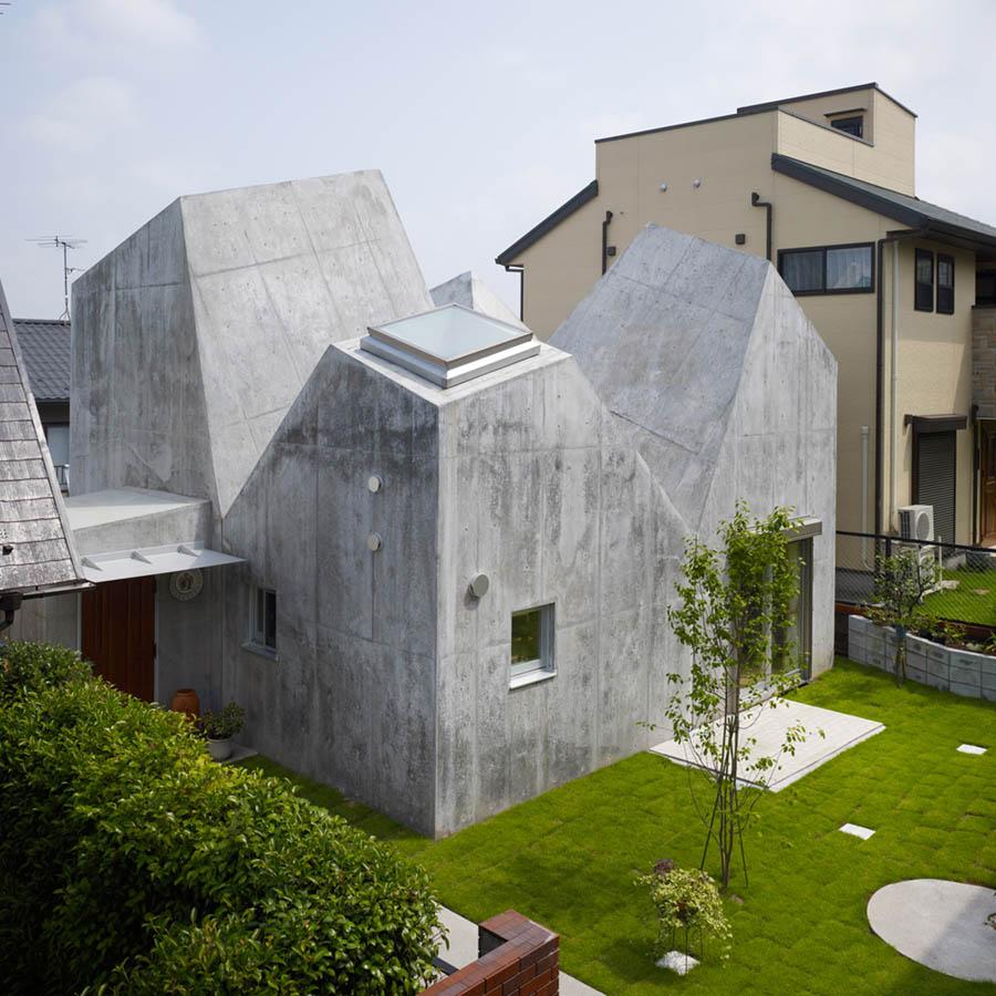 House in Kohoku by Torafu Architects