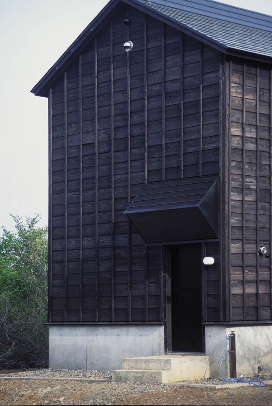 Cottage in Tsumari by Daigo Ishii + Future-scape Architects