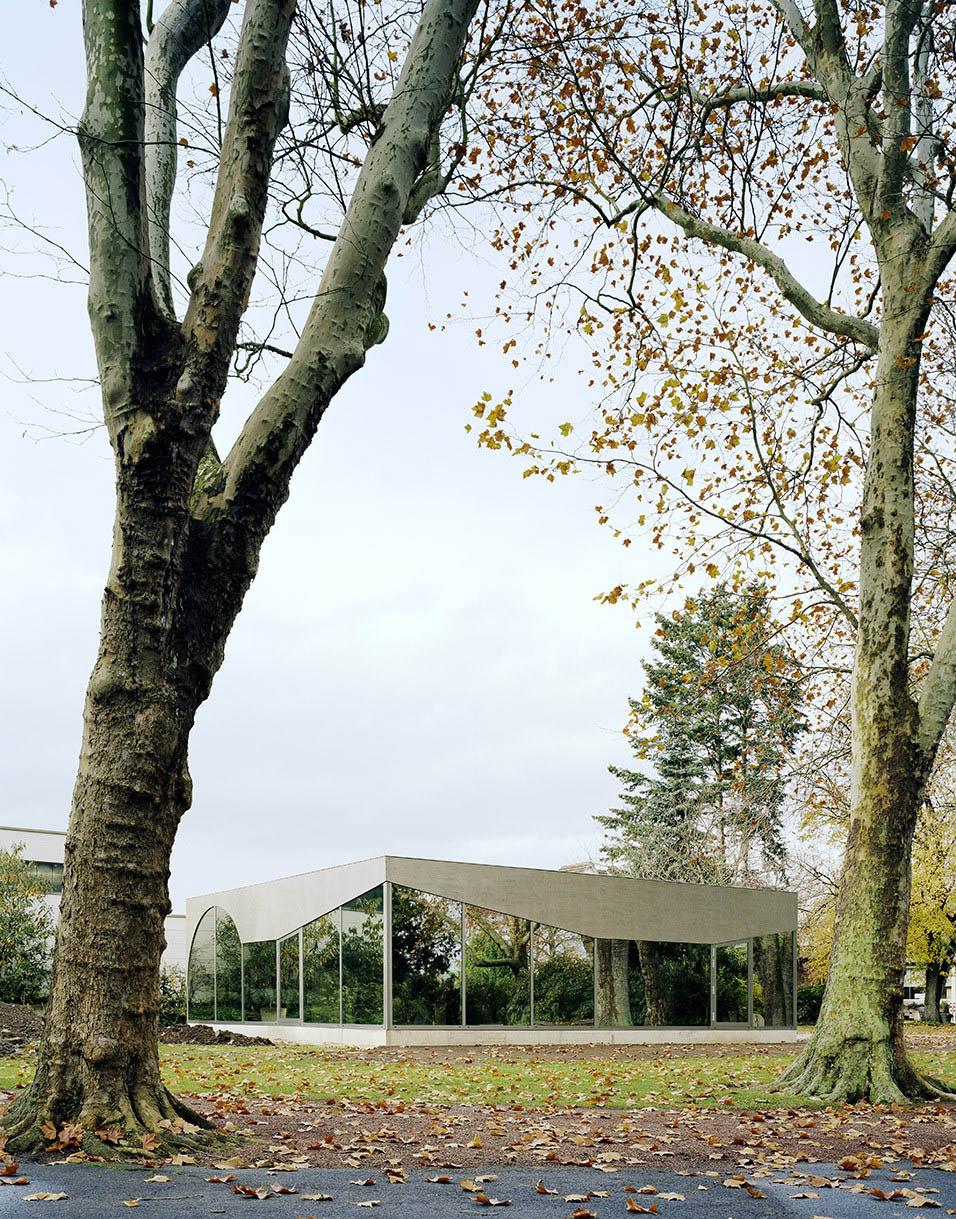 Cemetery Cafe Pavilion Düren by AMUNT