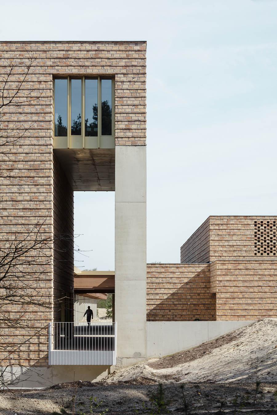 Statie Stuifduin Crematorium by a2o Architecten