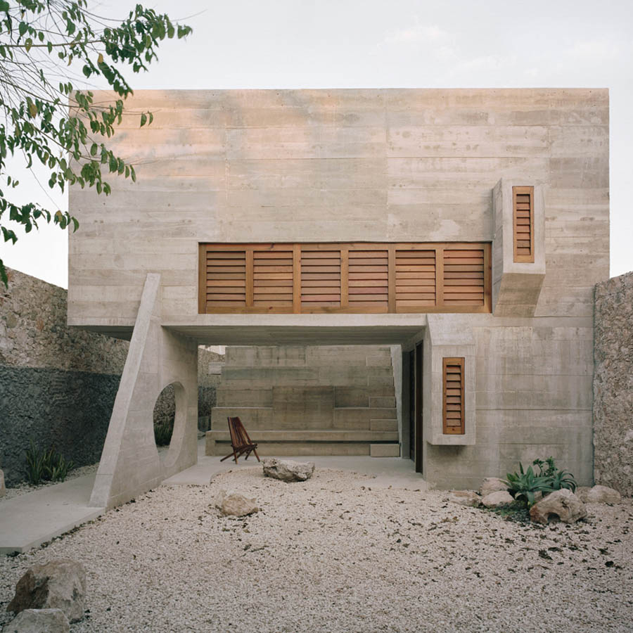 Merida House by Ludwig Godefroy Architecture
