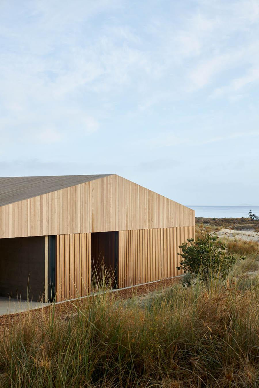 Te Arai Beach House by Fearon Hay Architects