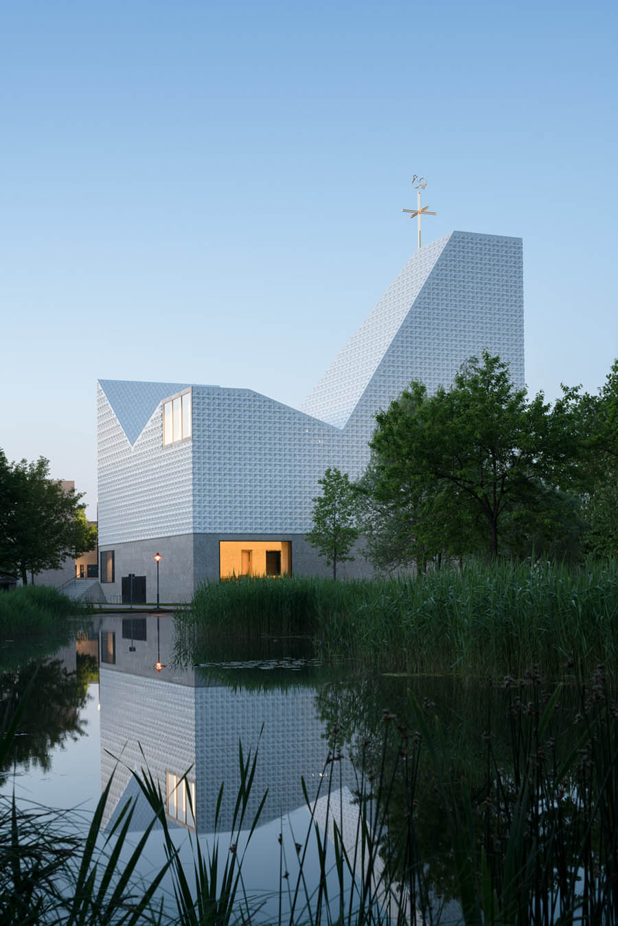 Church of Seliger Pater Rupert Mayer by Meck Architects