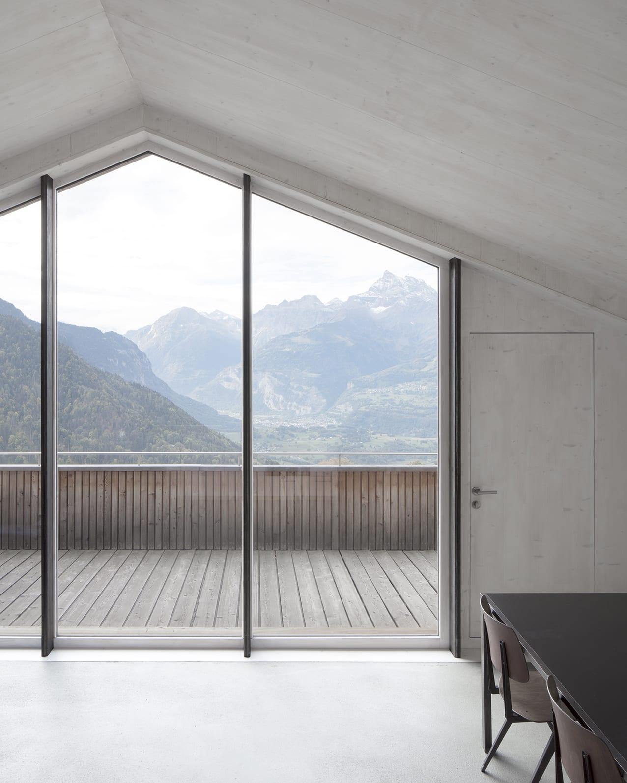 En Chalméry House by Christian Dupraz Architects