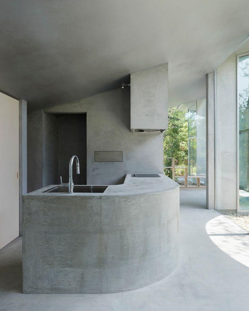 House in Okuike by Tomohiro Hata Architect