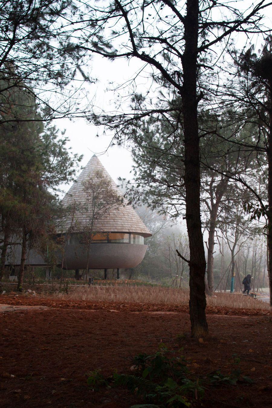 Mushroom guest house by ZJJZ Atelier