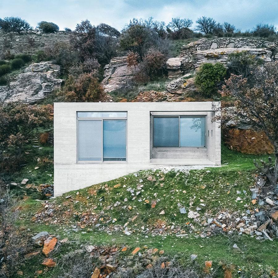 Diagonal House by En Route Architecture