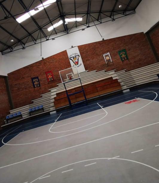 Interior del coliseo del colegio
