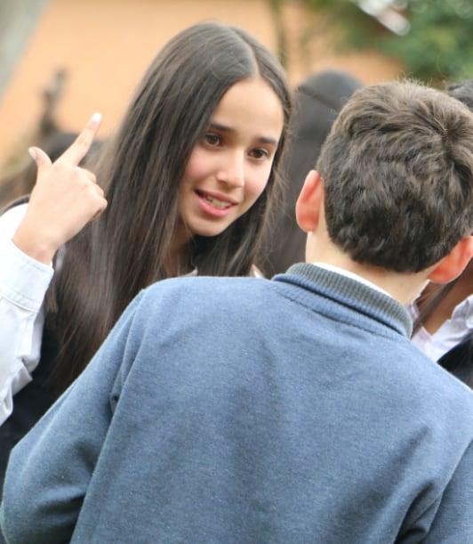 Estudiantes conversando