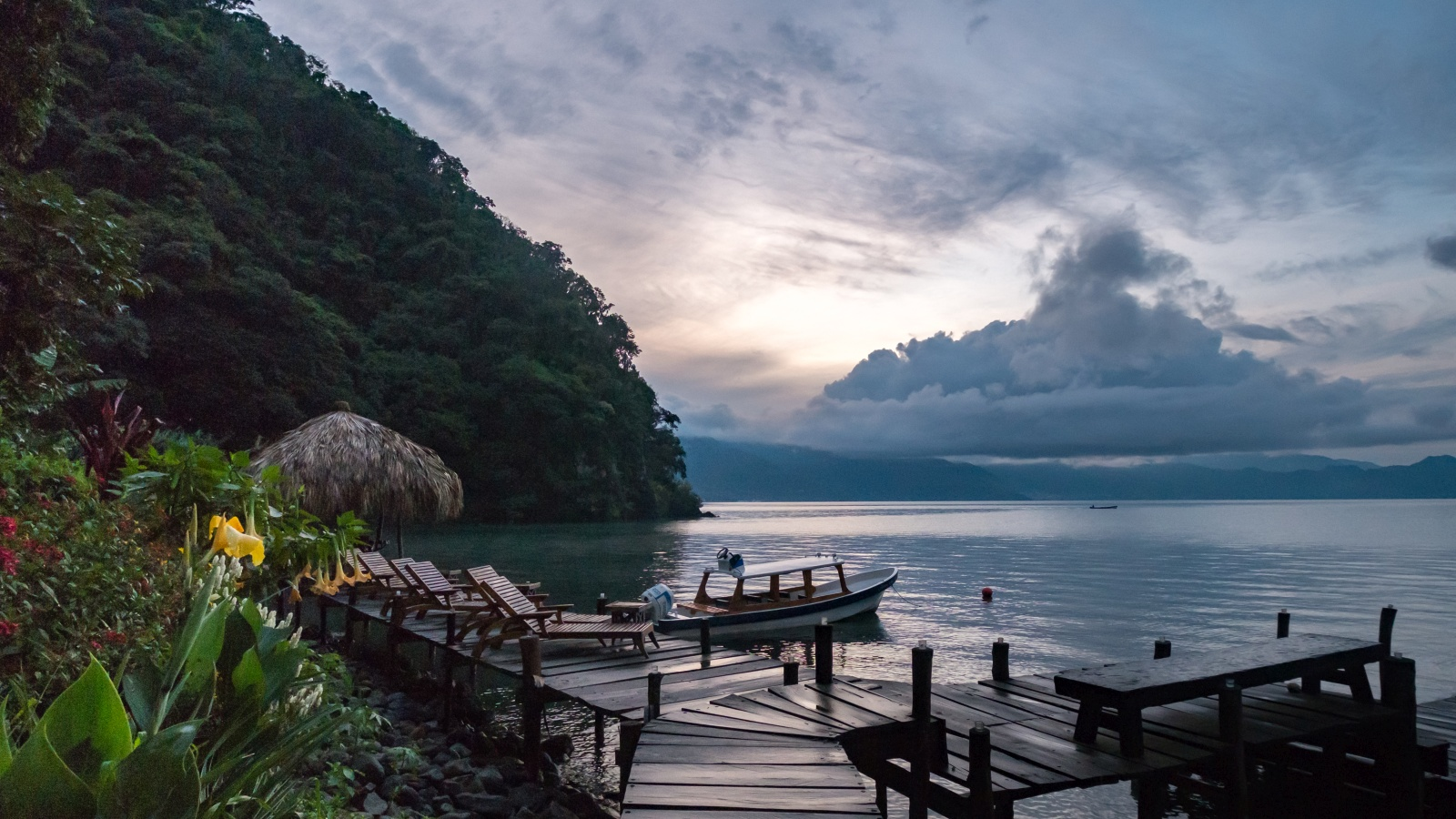 Picture of the dock at Lake Atitlan