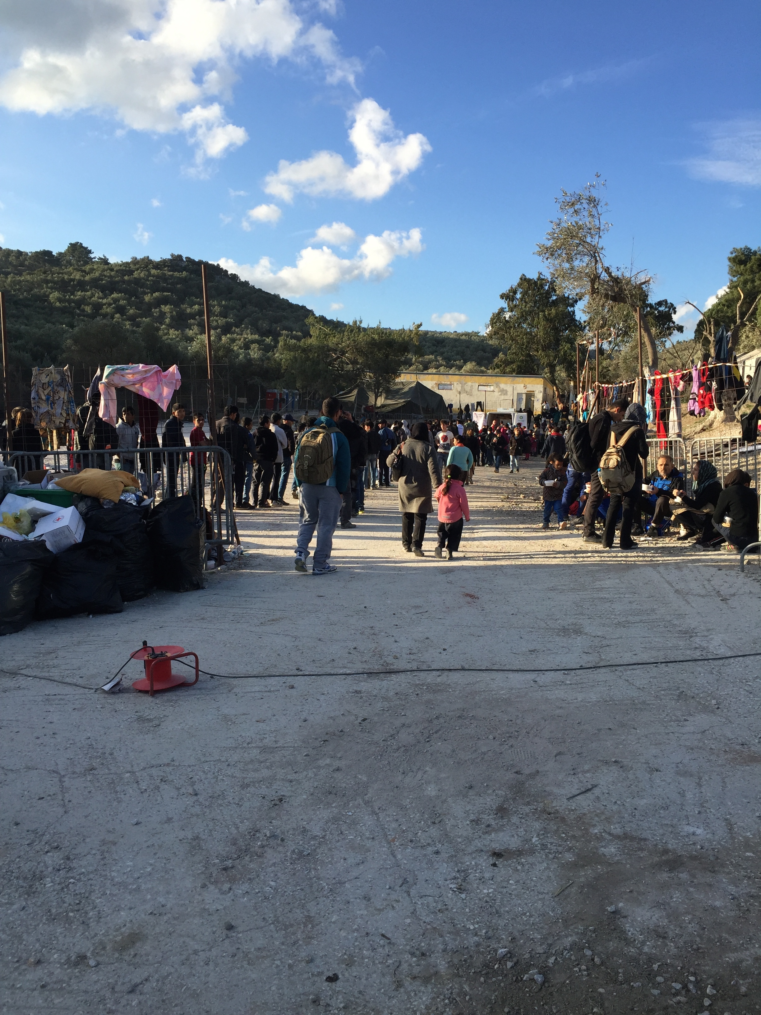 queing-for-food-distribution-moria-pallister-wilkins