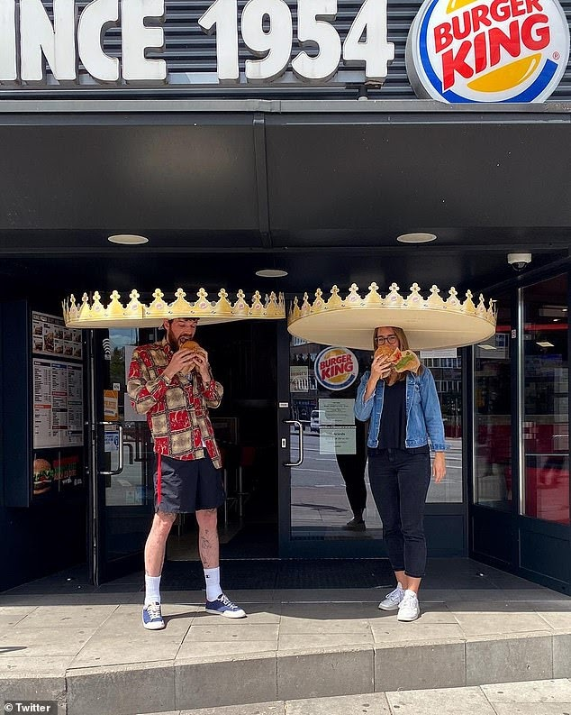 Burger King Germany advises customers to socially distance post lockdown_Heyday