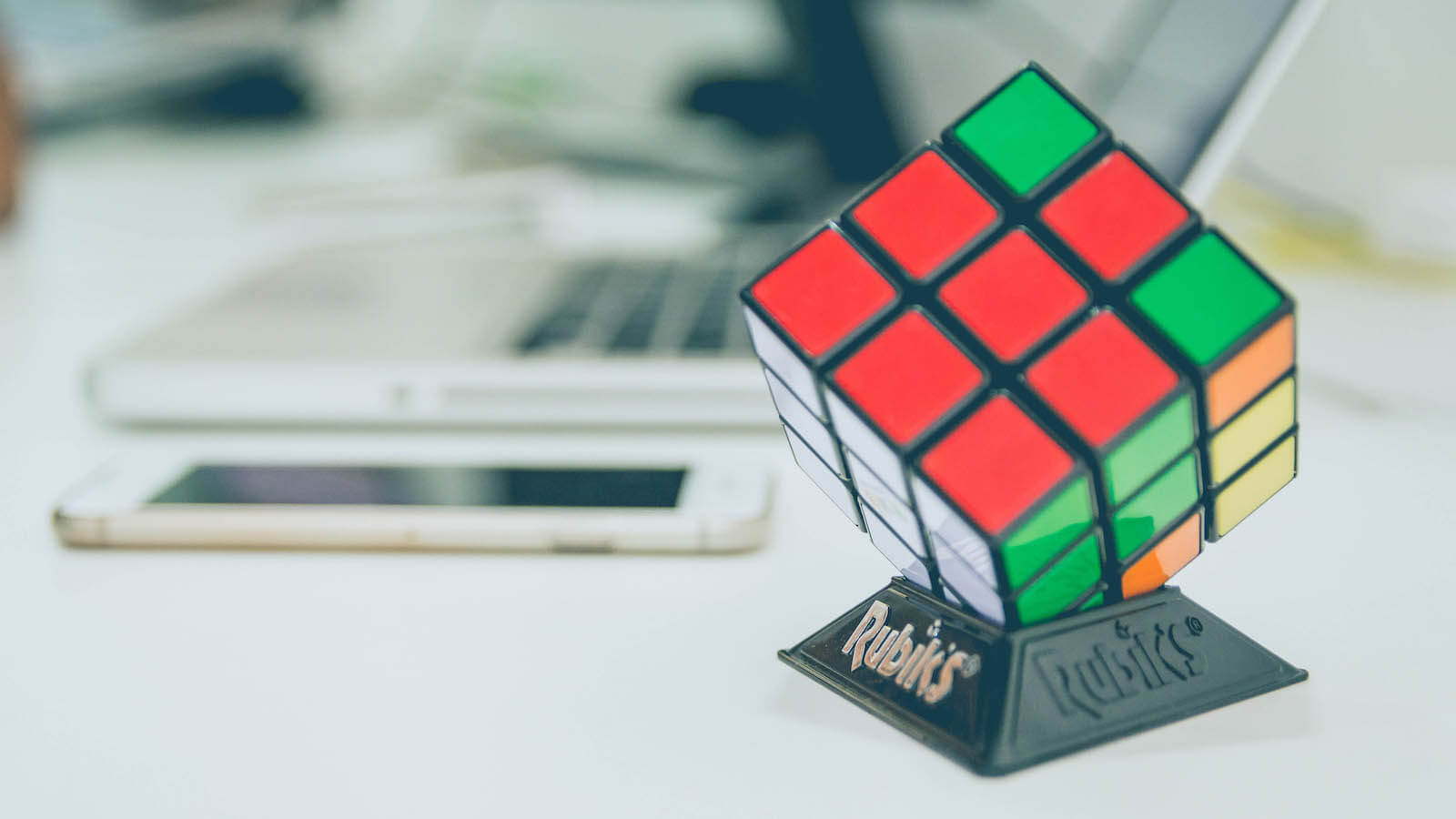 An image of a Rubiks cube