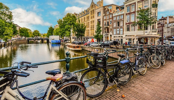 Most unique Amsterdam Neighborhoods to Stay in in 2021
