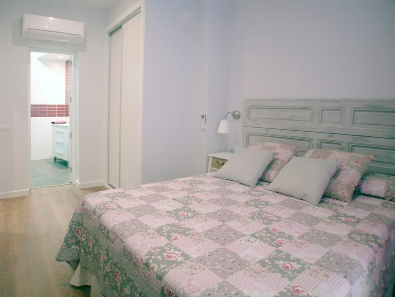 Sol-Gran Via airbnb rooms