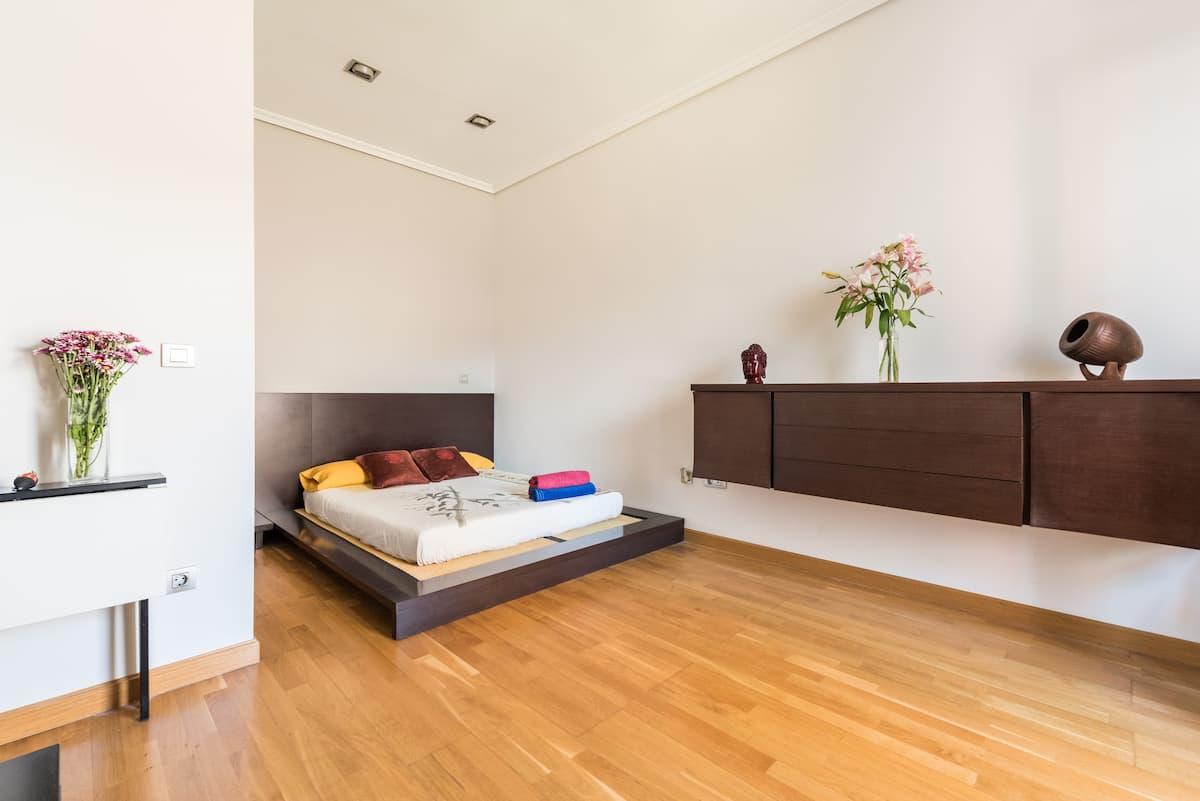 Madrid De Los Austrias airbnb room