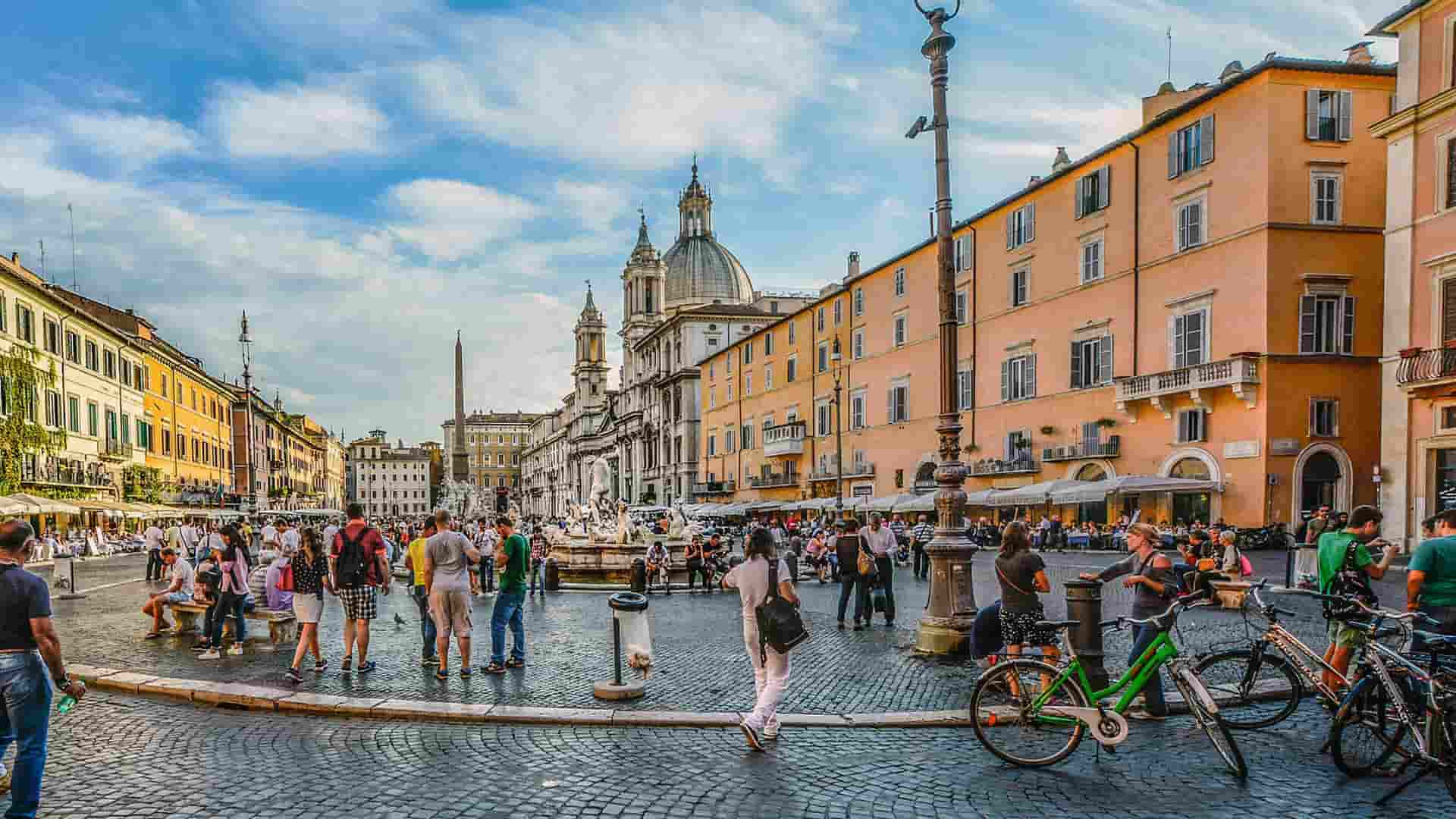 Places to stay near Rome City center, the Piazza Navona