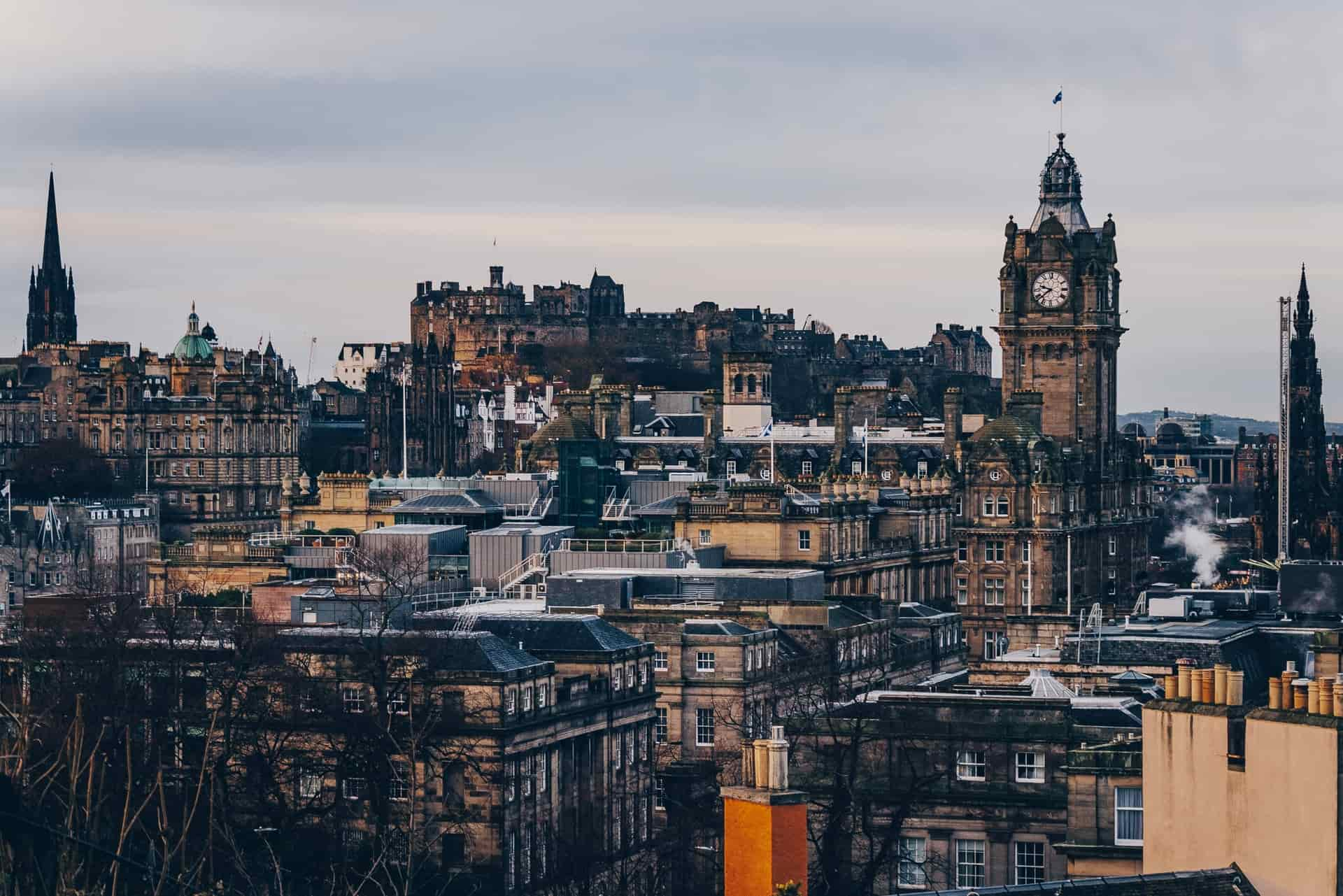 Where To Stay in Edinburgh: 2021 Guide for All Travelers!