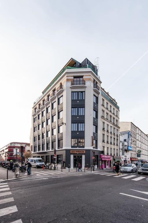 Les Piaules hostel Paris outside street view