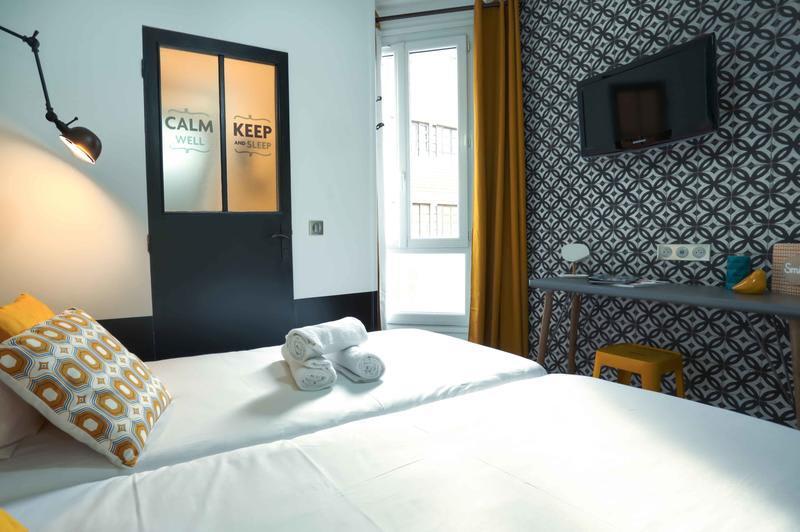Arty Paris Porte de Versailles beds and room