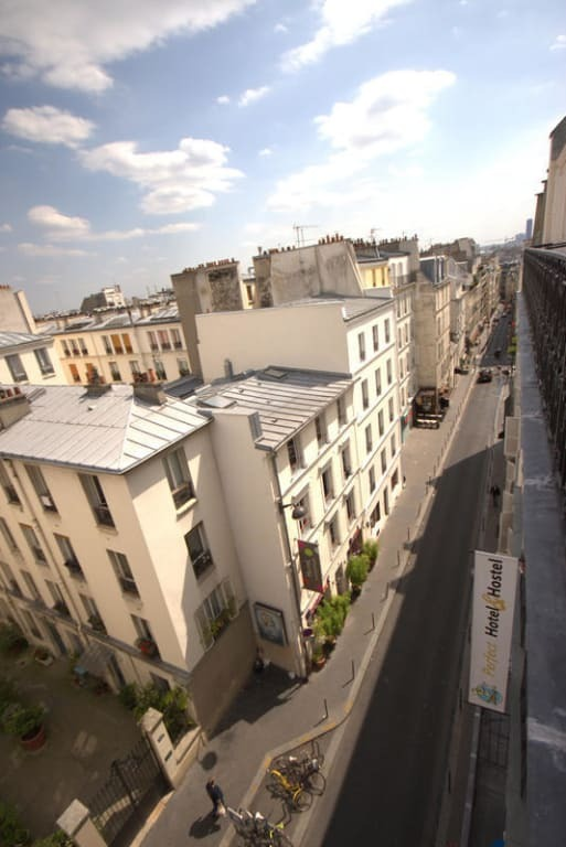 Perfect hostel Paris street view