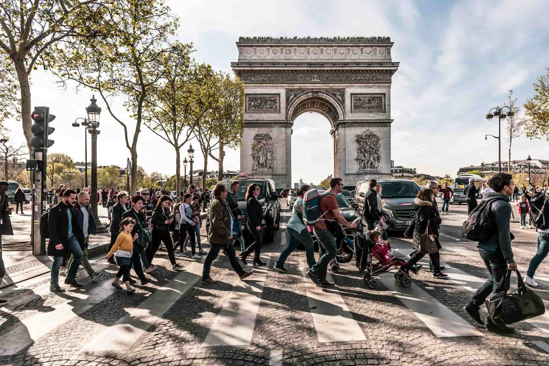 Top Paris walking tours: The best, free, and hidden gems! [Guide]