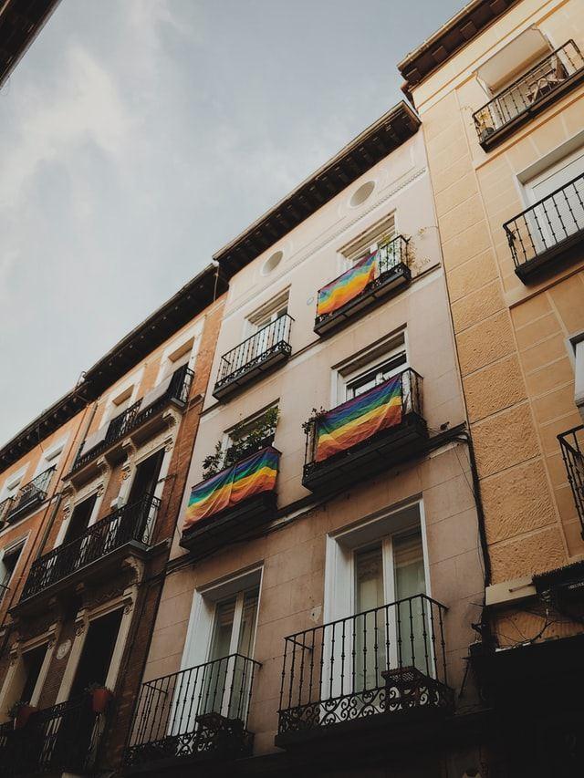 Madrid communities and hostels