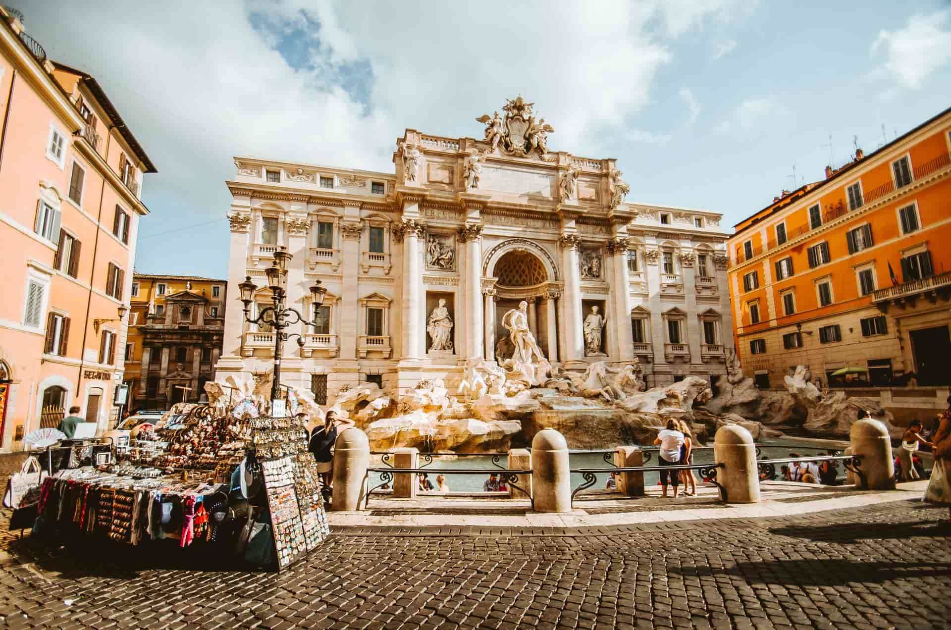 Hop-On Hop-Off Busses Rome Guide: Should I Use Them To Travel?
