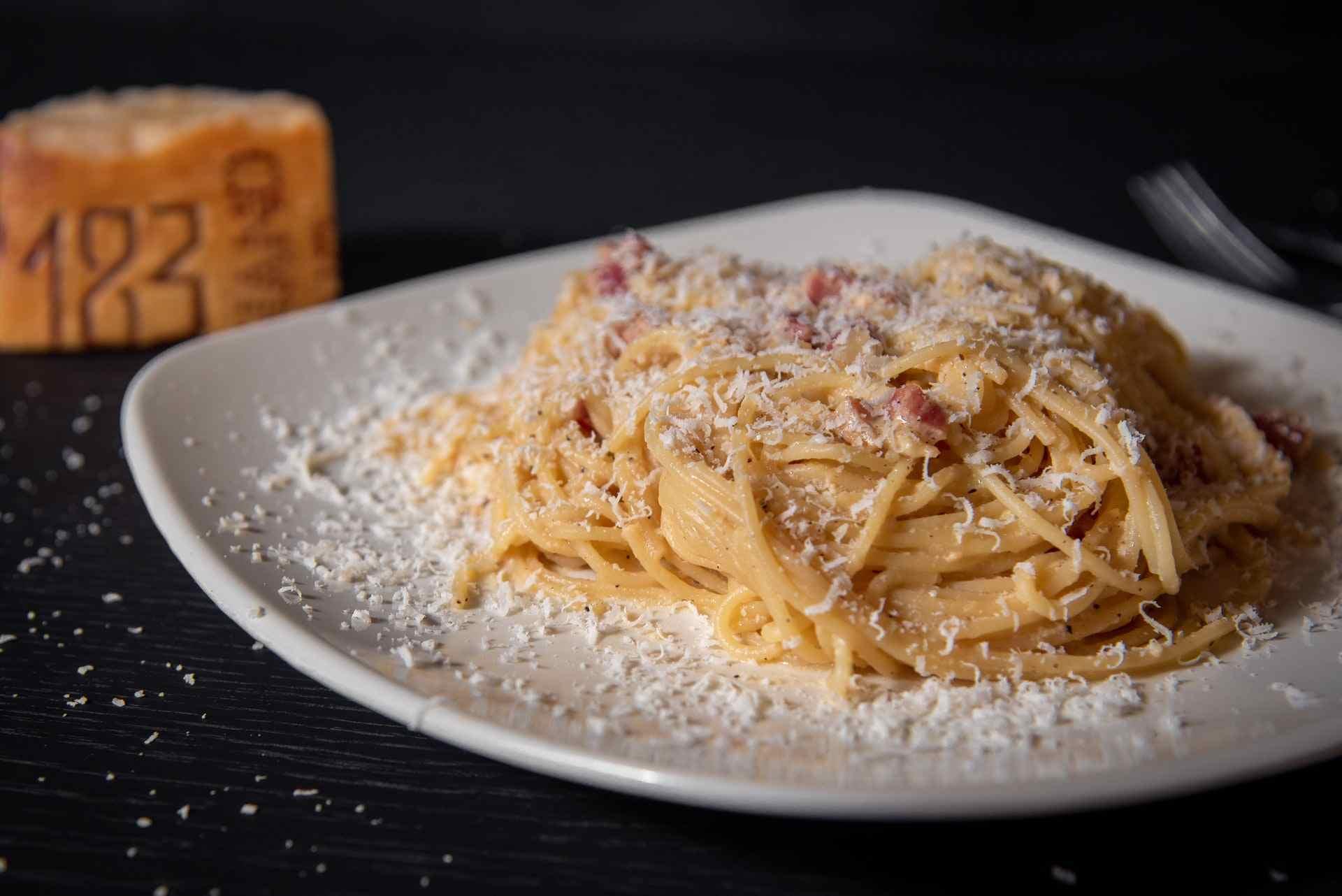 Classic food in Rome, Carbonara