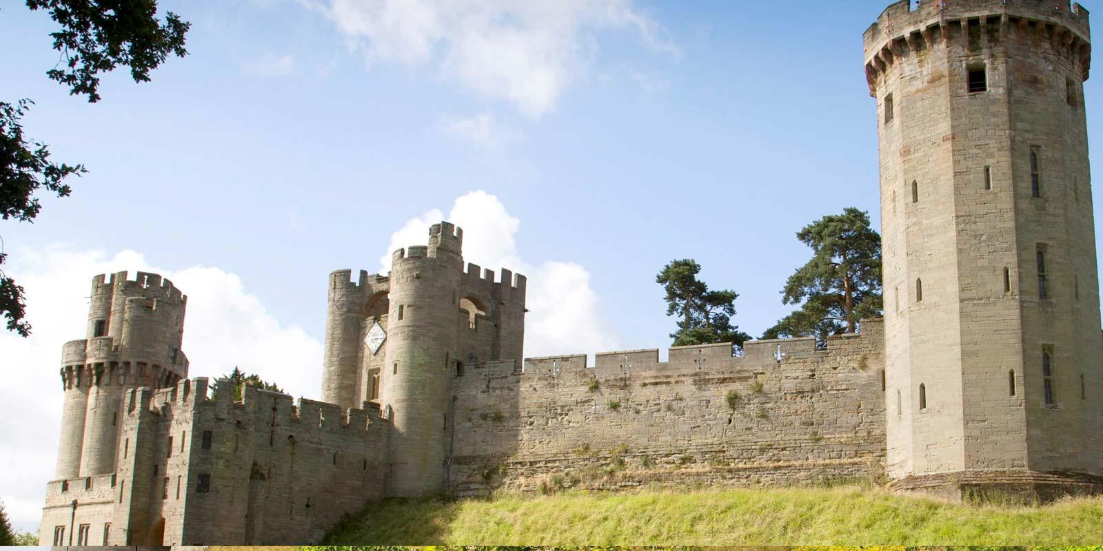 Belmond British Pullman Warwick Castle by Steam