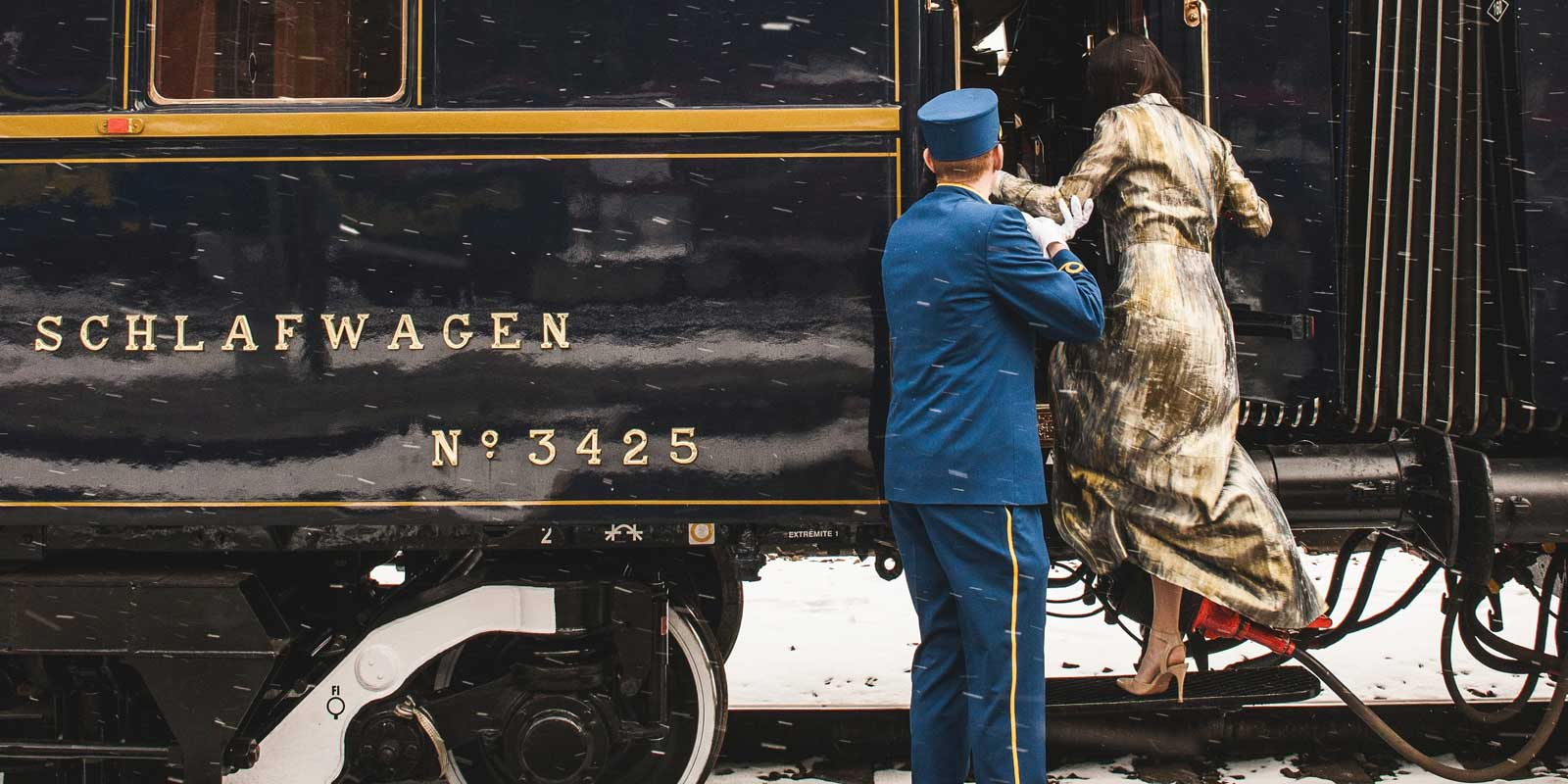 The Ultimate Luxury Train Travel Guide