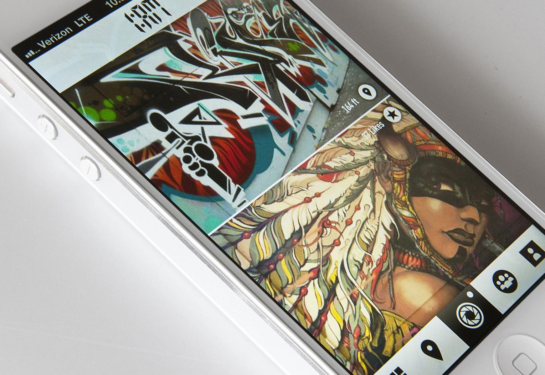 1:am app displayed on smartphone