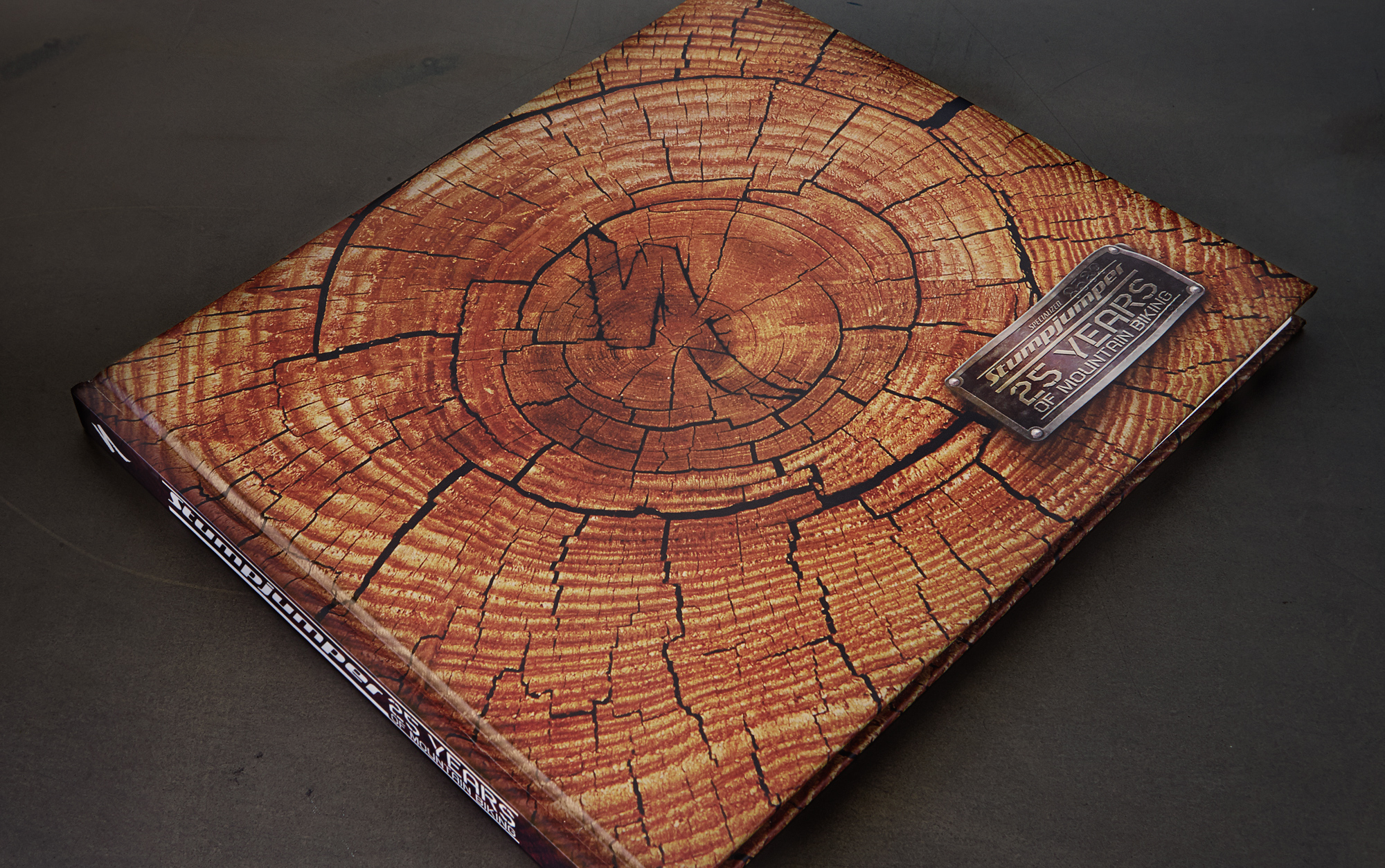 Specialized 25 year anniversary stump jumper book cover