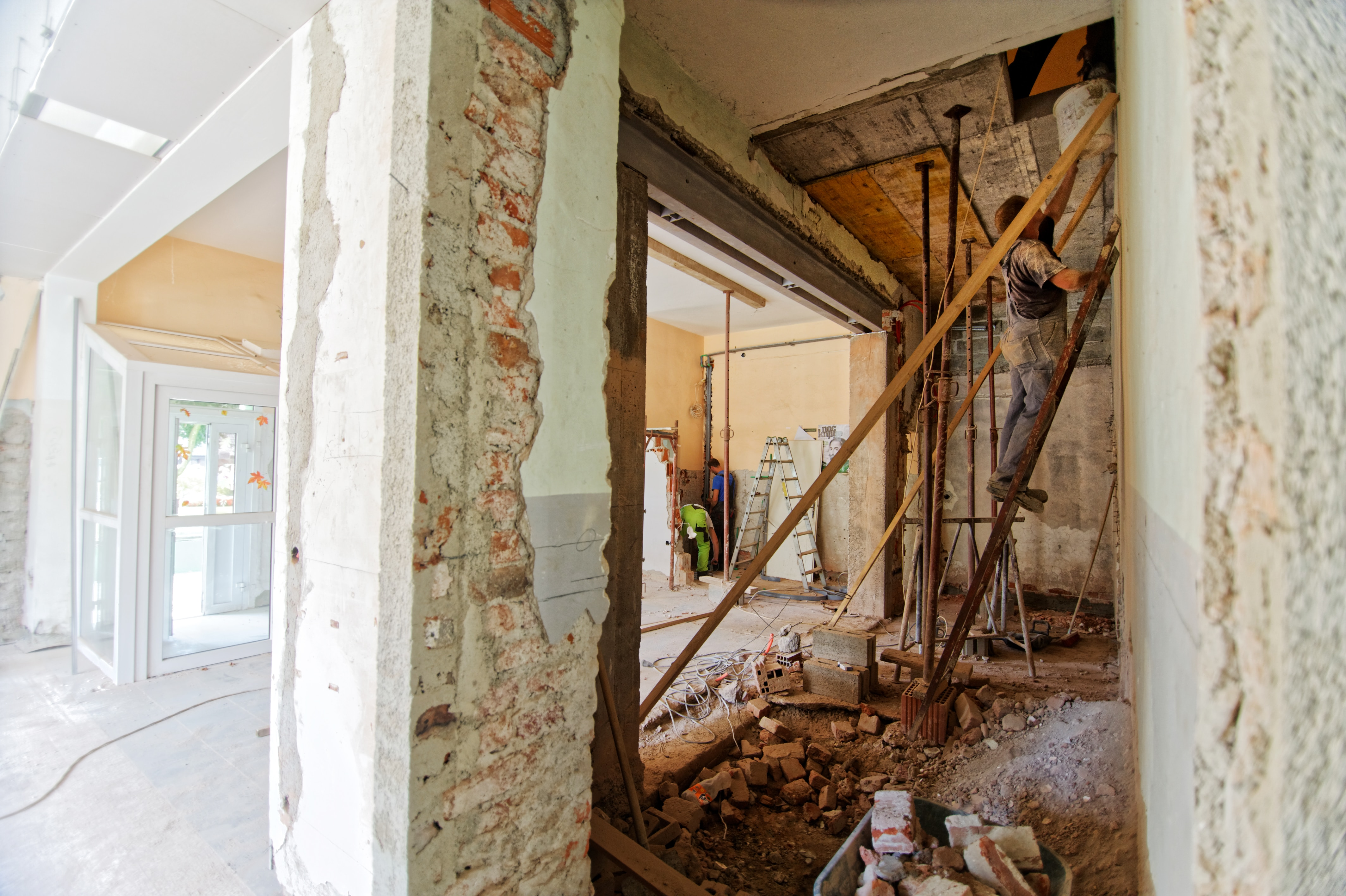 U.S. Home-Flipping Activity Drops As Returns Remain At Near Seven-Year Low: Overall home flips drop 12.9 percent in third quarter of 2019 after unusually active spring; percent of flips purchased with all-cash at two year high