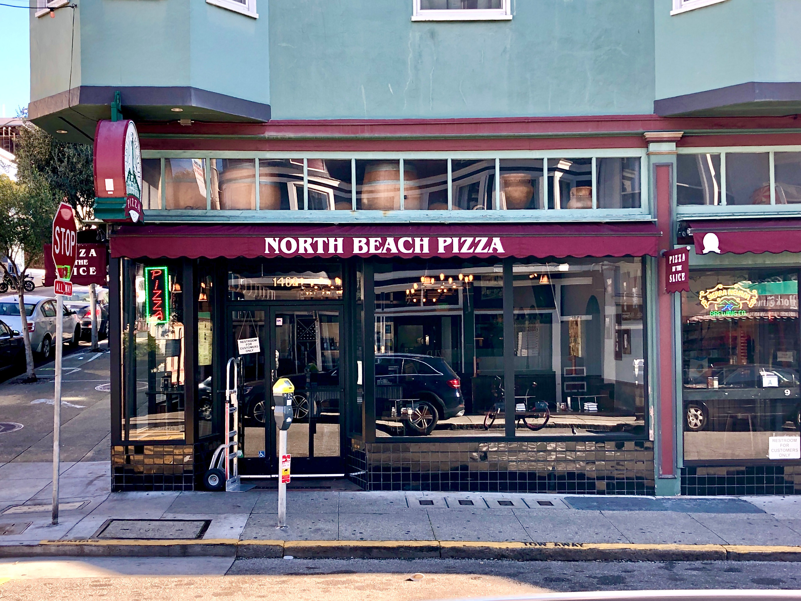 North Beach Pizza on Grant Ave