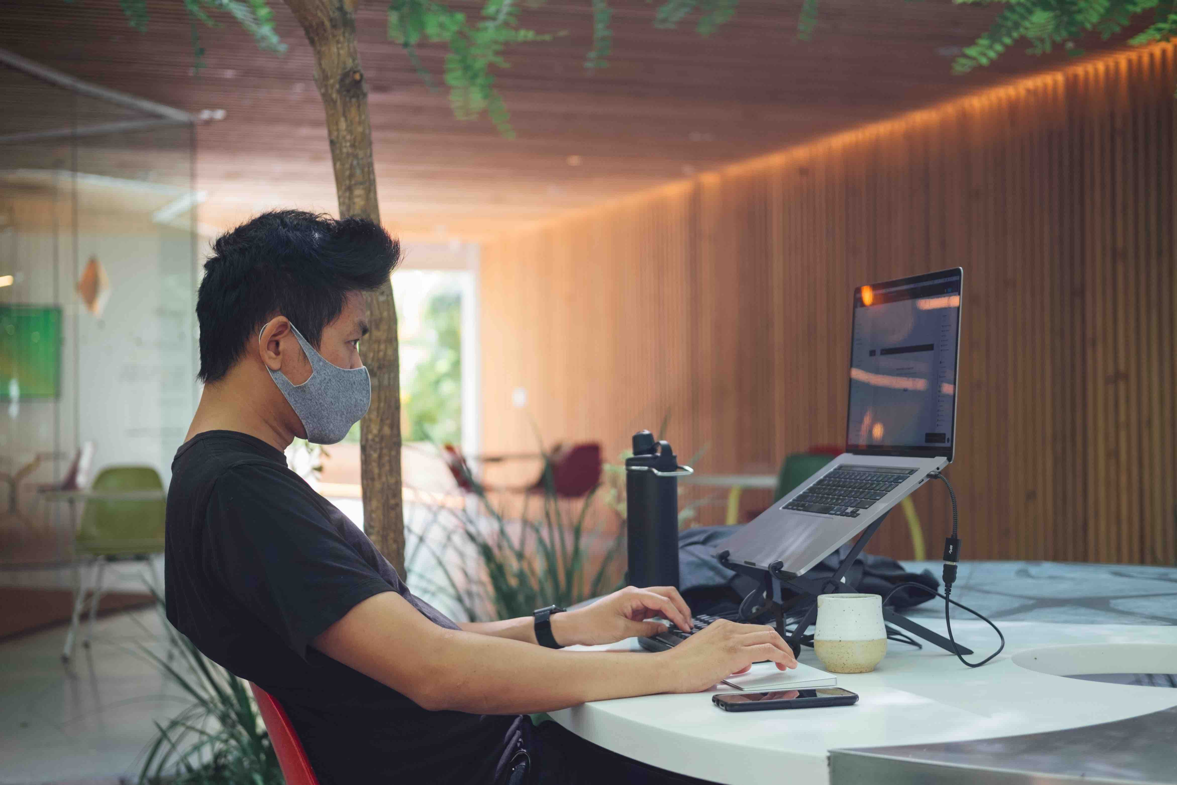 Wearing a mask during an interview