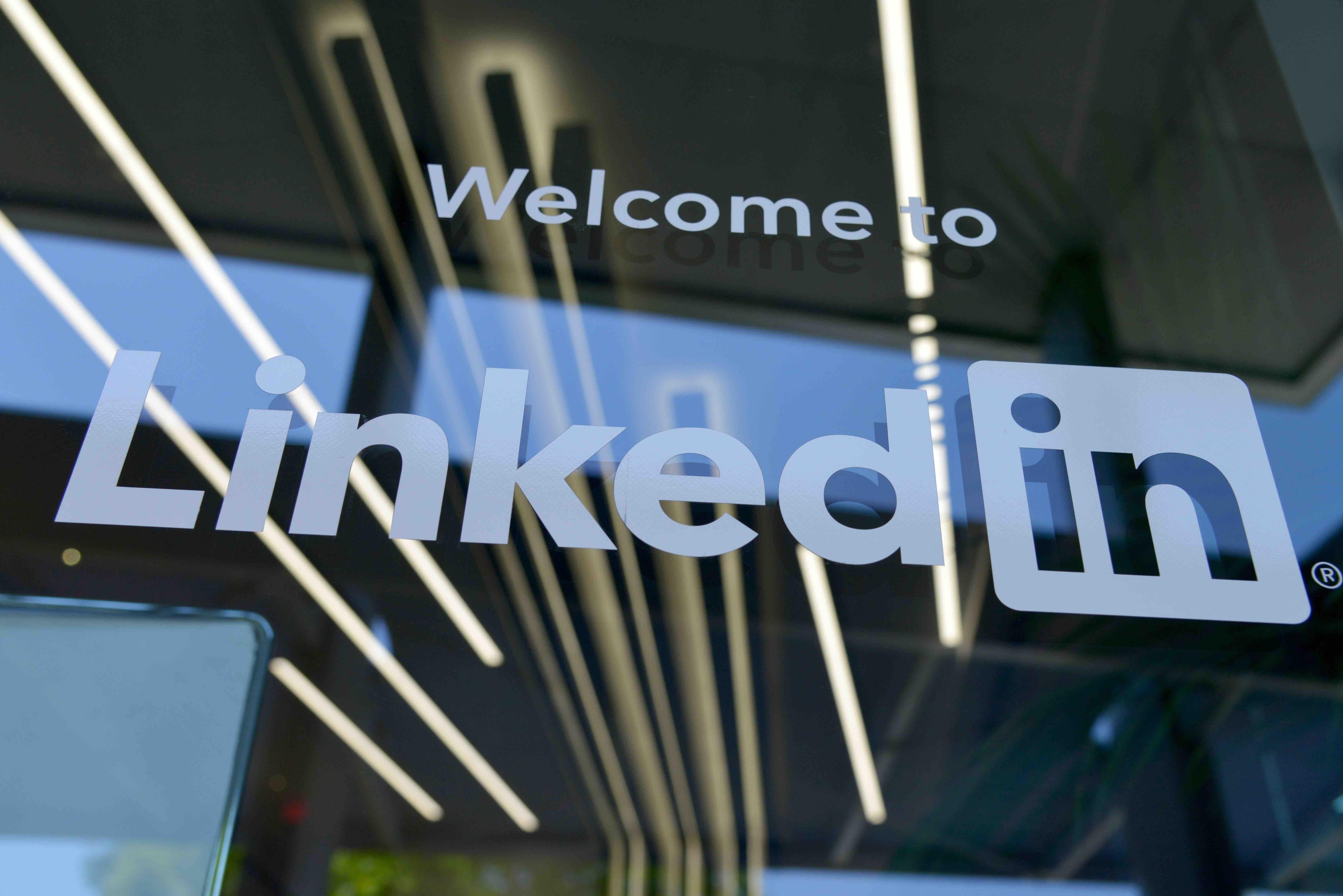 LinkedIn [In}troduction onboarding program