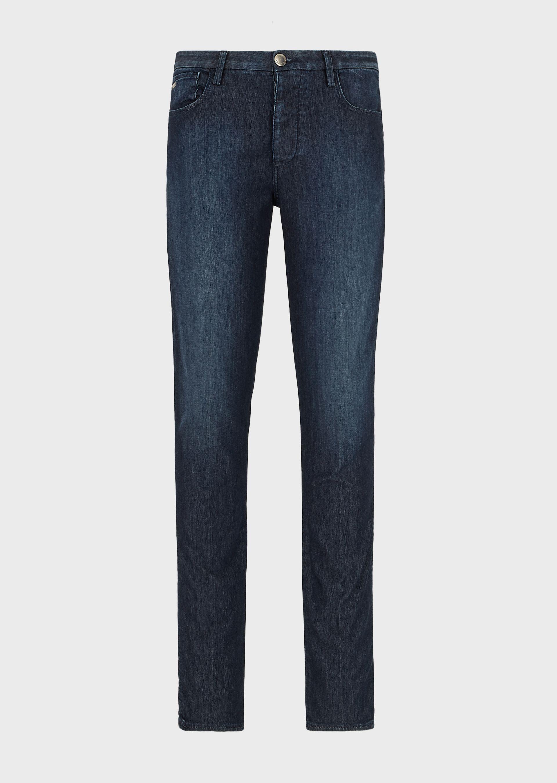 Dark blue five pocket jean