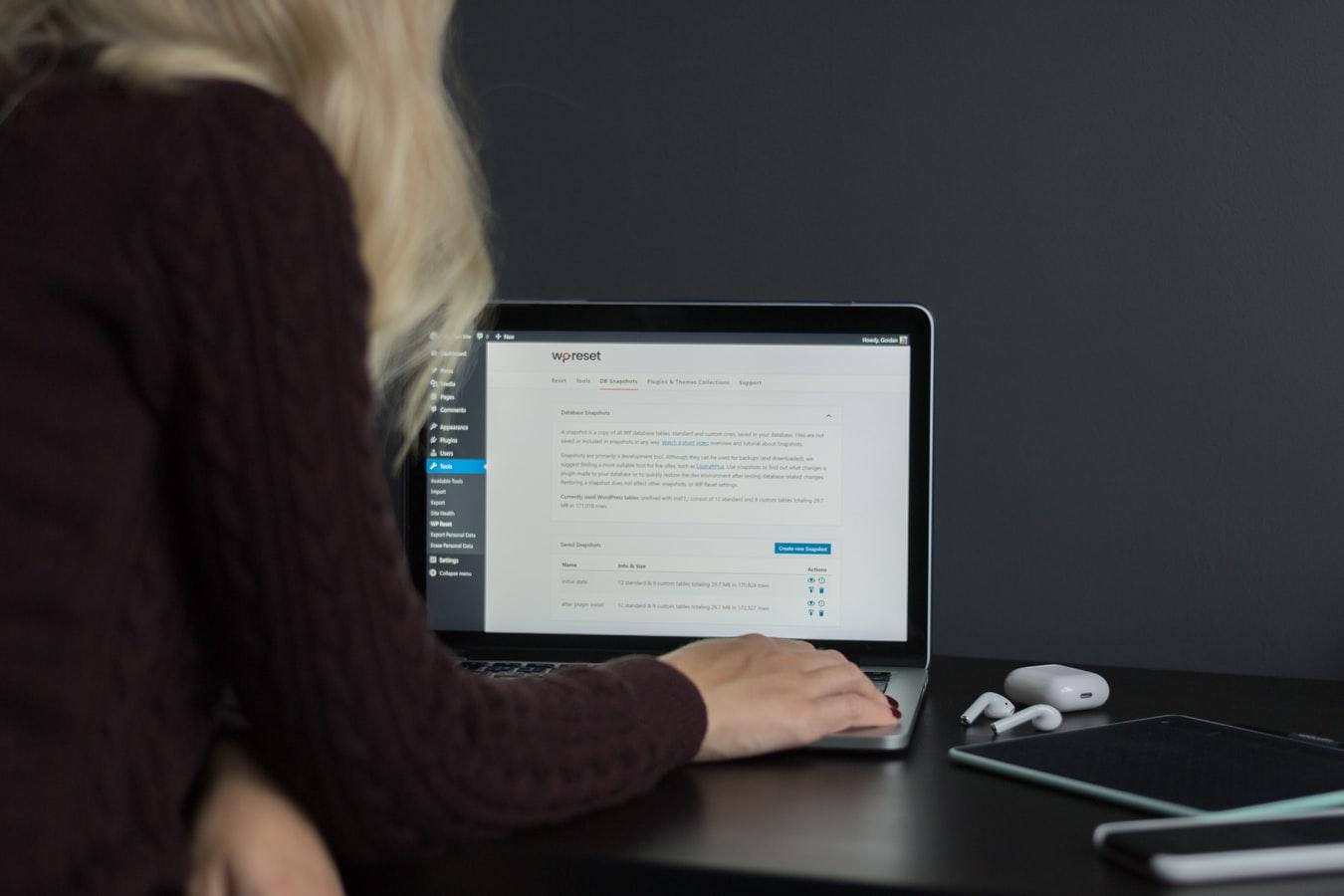 """X vecí, ktoré treba urobiť tesne pred a po spustení """"nielen"""" WordPress webu"""