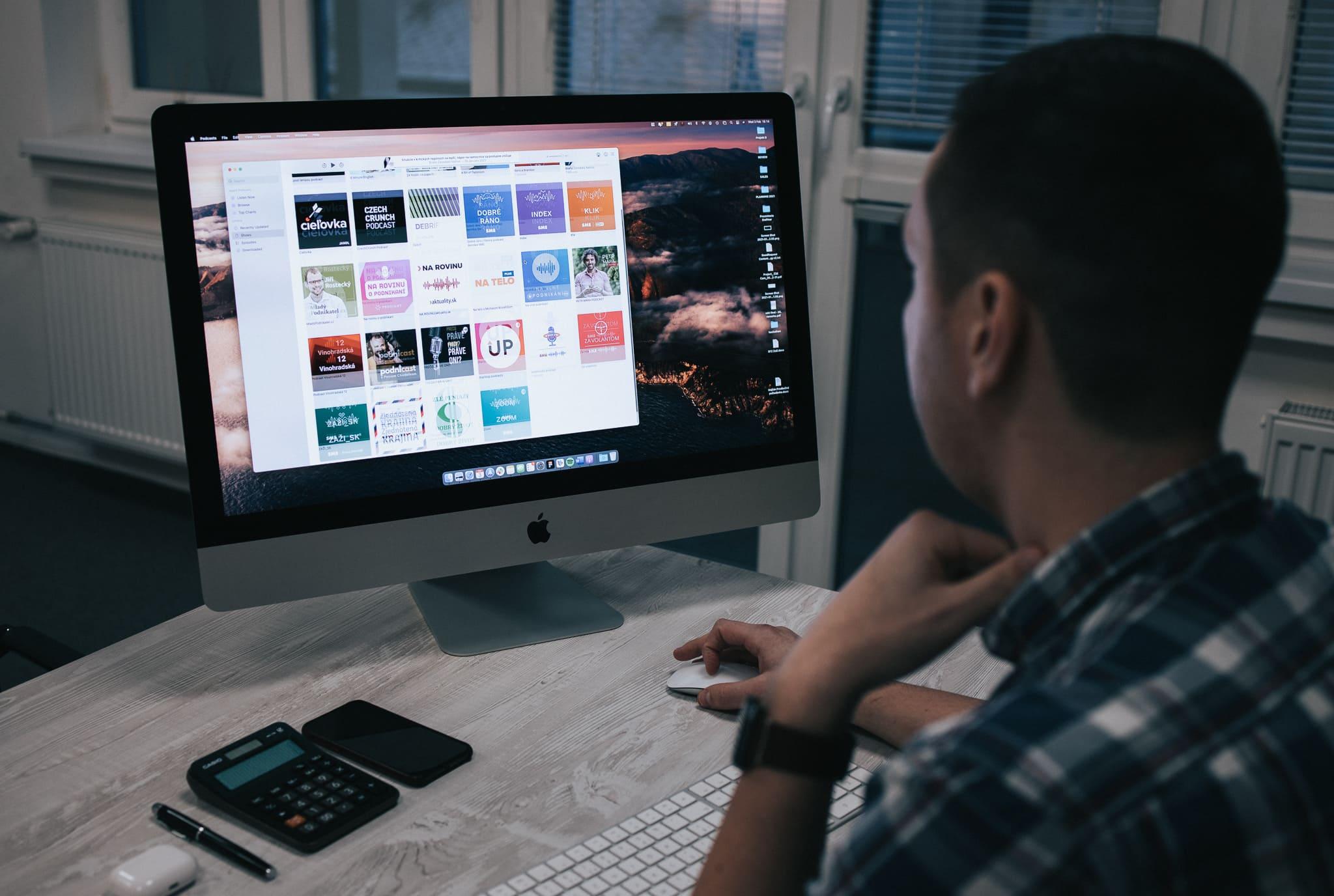 Tipy na technologické a biznis podcasty (zn. pre developerov, manažérov a IT nadšencov)