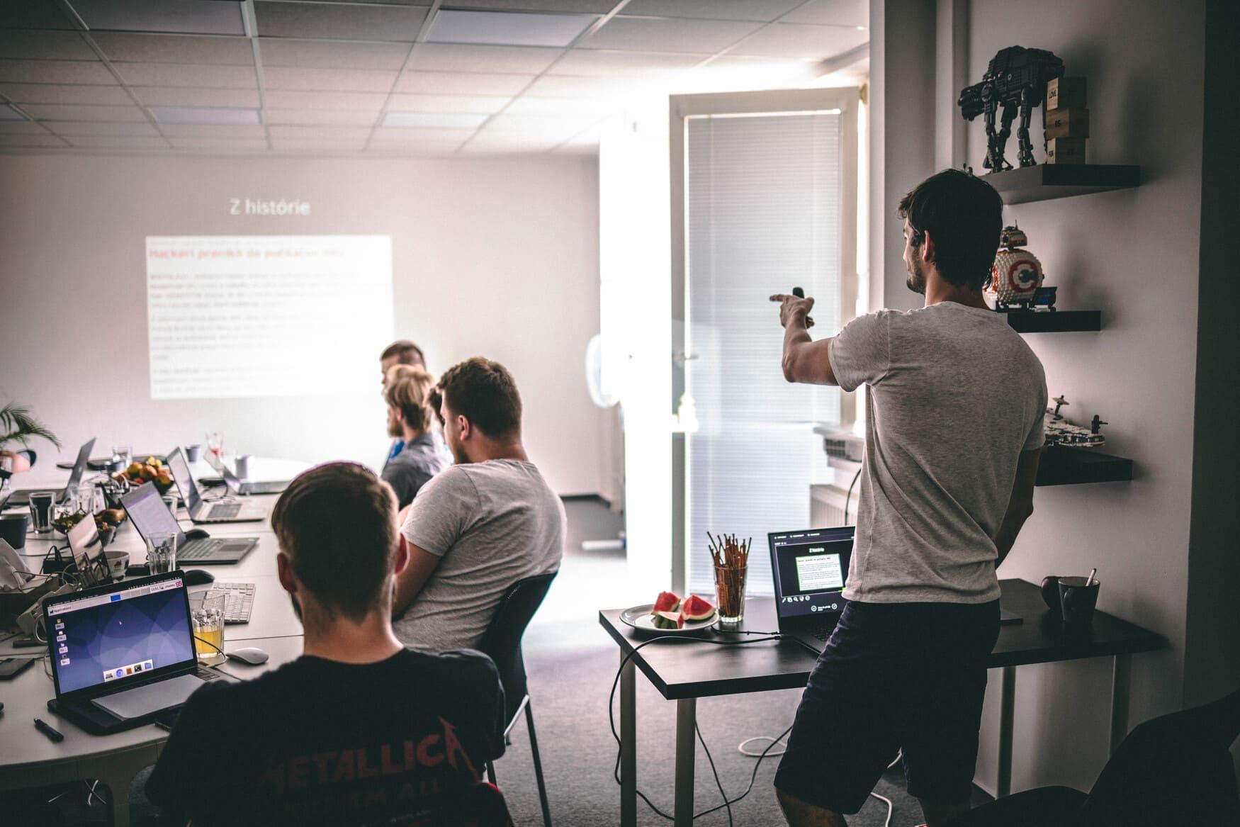 Bezpečnostné školenie OWASP TOP 10: Oplatí sa doňho investovať? Pozri sa na našu skúsenosť!