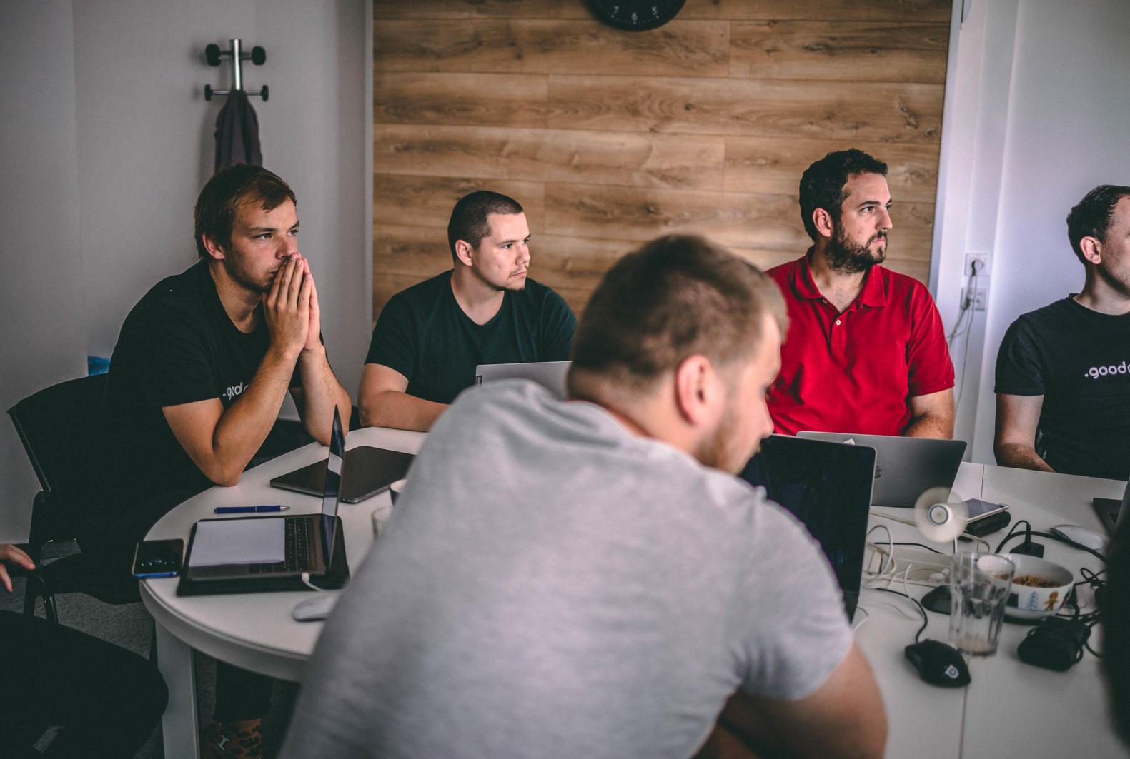 ios academy pre budúcich ios developerov, plná vzdelávania a programovania
