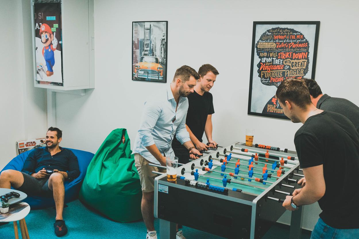 Oddychová zóna v GoodRequest kancelárií počas Hackathonu 2020