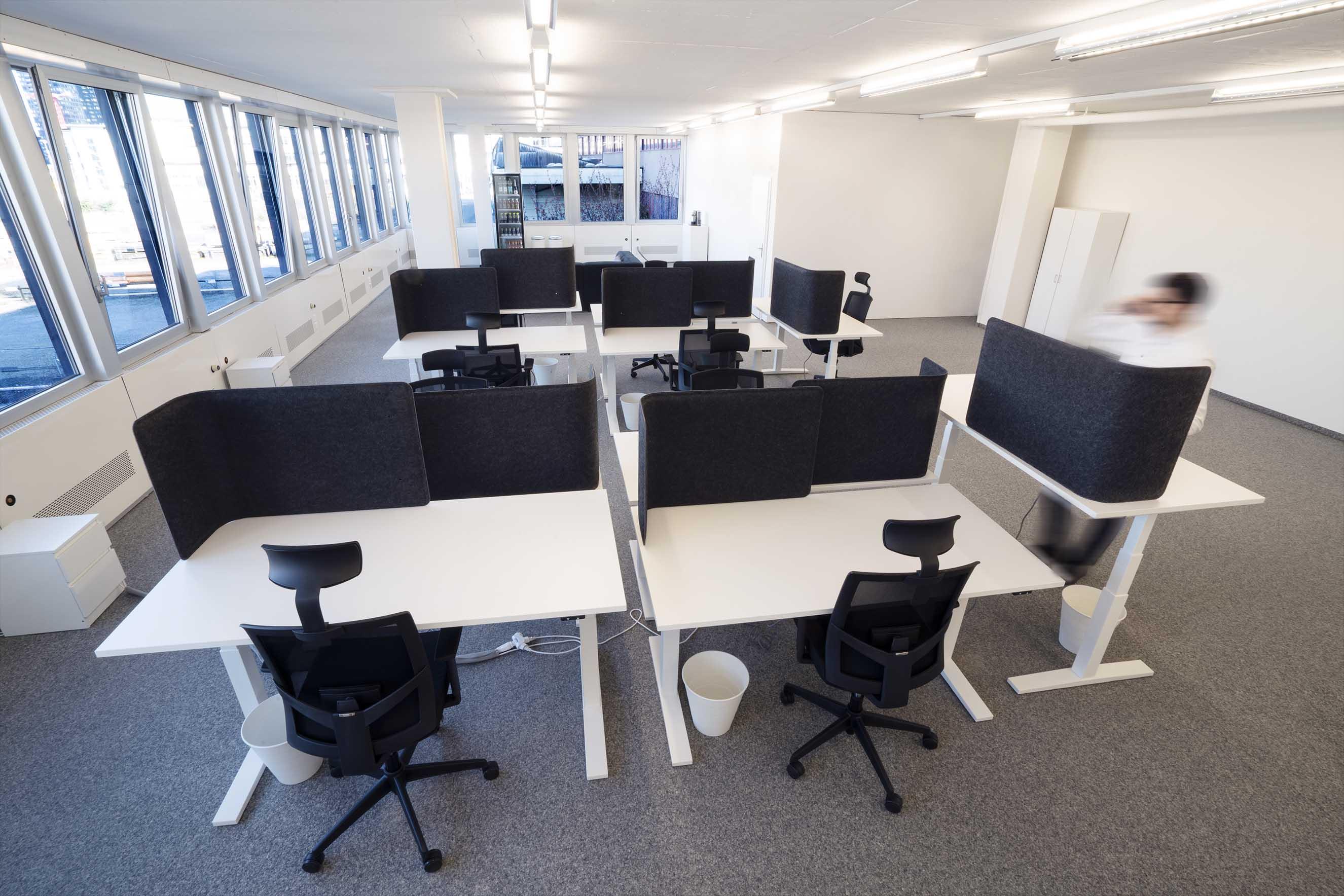 Arbeitsplätze, Stehtische, ergonomisch, akustikwände