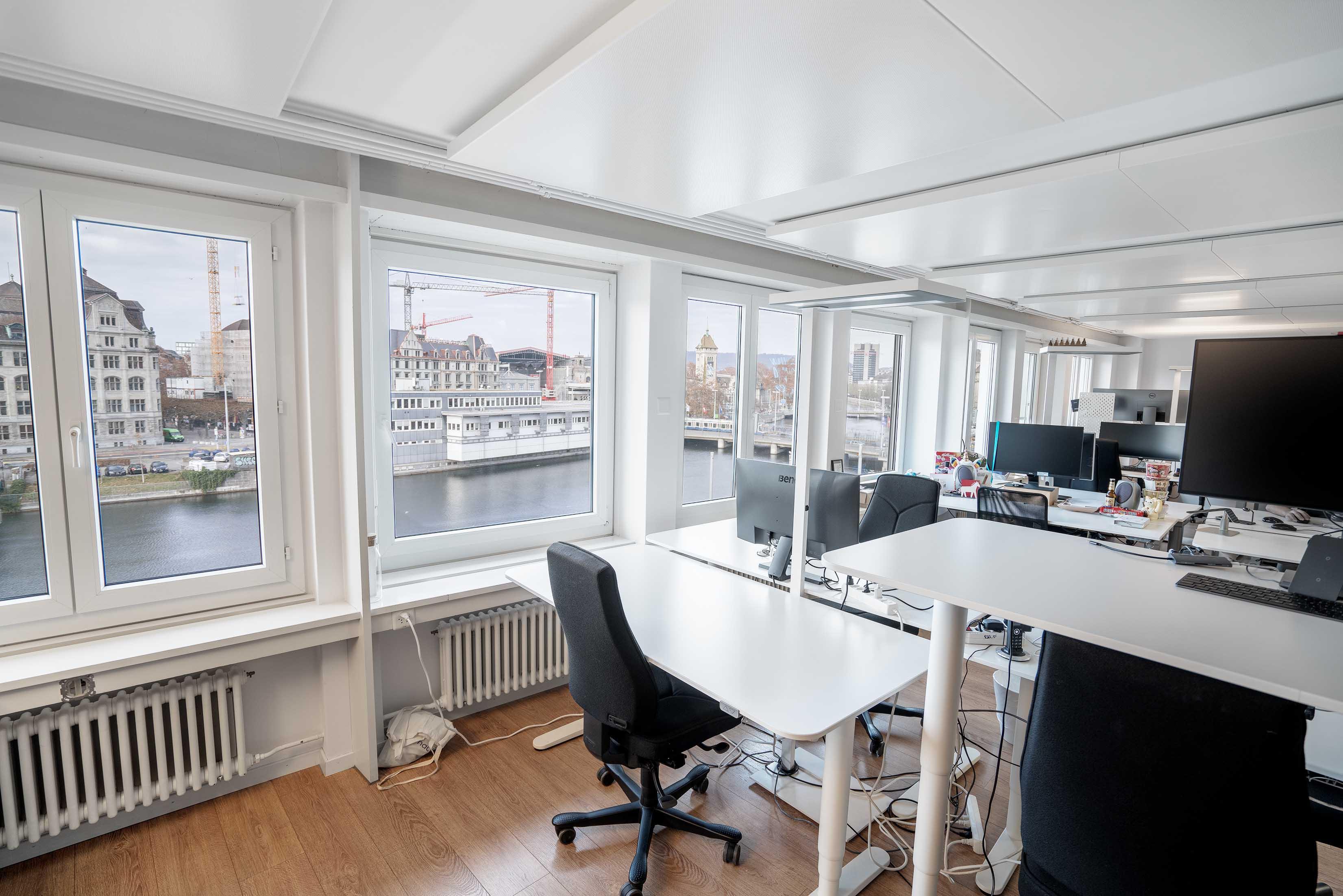 apiax regtech startup büro mieten arbeitsplatz zürich, central limmatquai vermieten