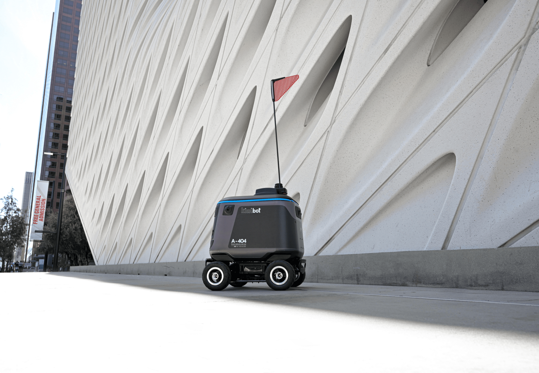 Kiwibot on the streets of Los Angeles