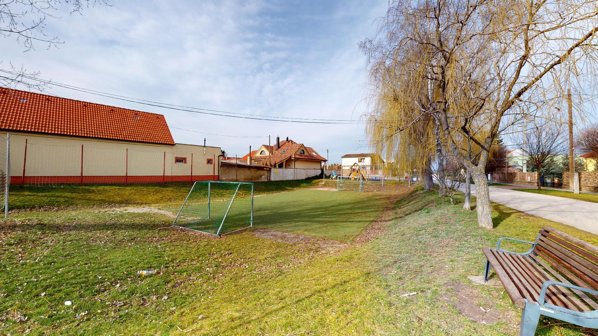 nové bývanie v Boldogu ihrisko